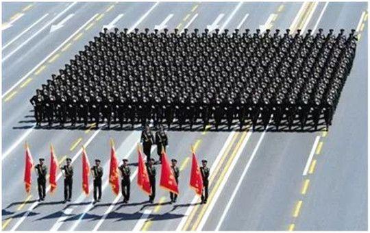 建军节!你守卫国家,我们守护你,华全致敬最可爱的人!